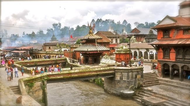 PAQUETES GRUPALES A LA INDIA Y NEPAL DESDE ARGENTINA - Abhaneri / Agra / Bombay / Delhi / Fuerte Amber / Gwalior / Jaipur / Jodhpur / Udaipur / Bhaktapur / Katmandu / Plaza Durbar de Katmandú / Templo Pashupatinath /  - Viajes Exoticos